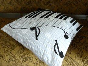 krepový povlak na polštář s notami