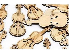 dřevěné knoflíky housle