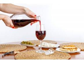 sklenice na červené víno hudební, pro hudebníka, noty
