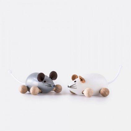 Myš na kolečkách