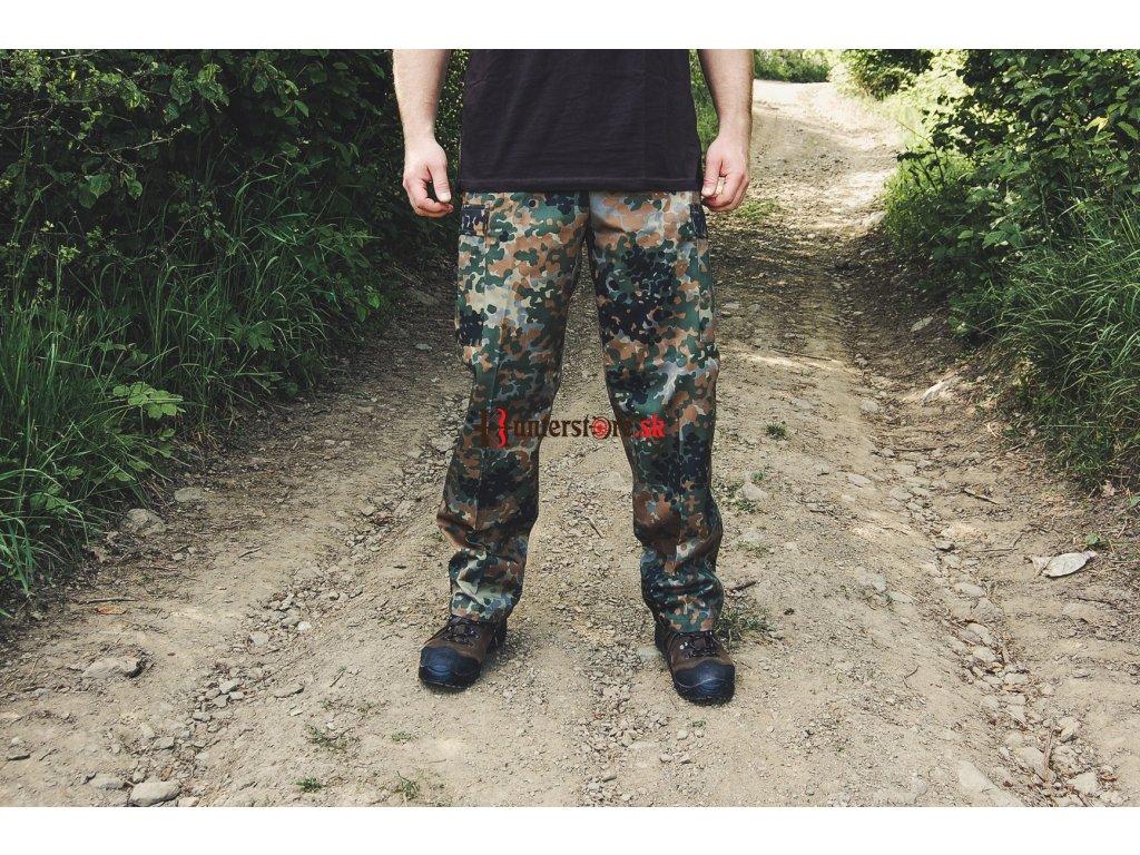 maskáčové nohavice