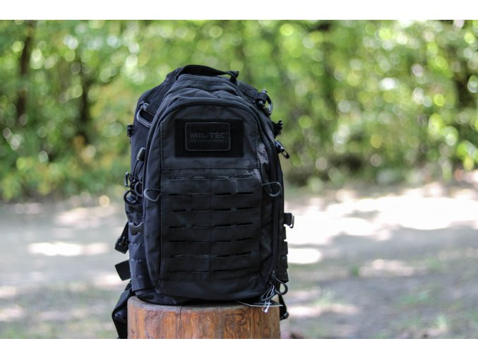 Batoh BLACK HEXTAC® BACKPACK 20L