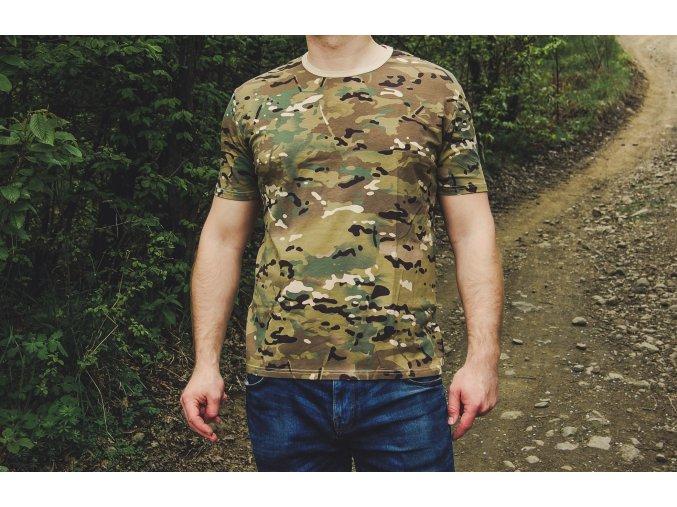 maskáčové tričko