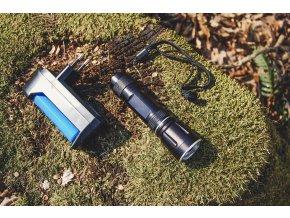 Taktická baterka s nabíjačkou