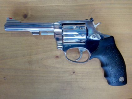 "Revolver Taurus 94, 4"" hlaveň, ráže 22 LR, 9 ran, nerez"