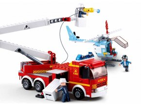 Hasičské auto a helikoptéra M38-B0627
