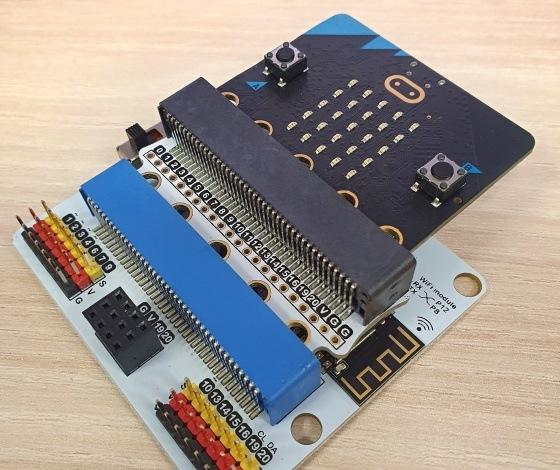 Použití IoTBit s microbit V2 pomocí desky Edgebit