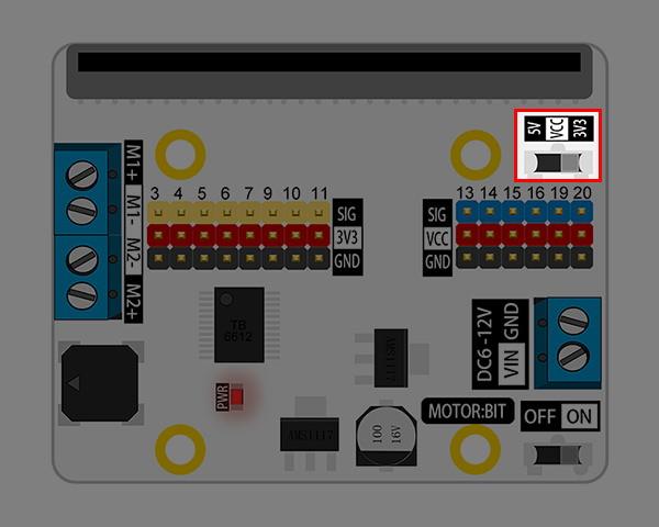 Motor:bit pro micro:bit - rozšiřující modul pro motory - přepínač pro VCC 3,3V nebo 5V