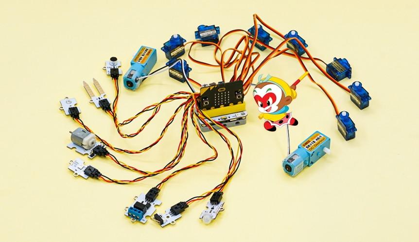 Wukong - rozšiřující modul pro LEGO micro:bit robota - motory, serva, snímače