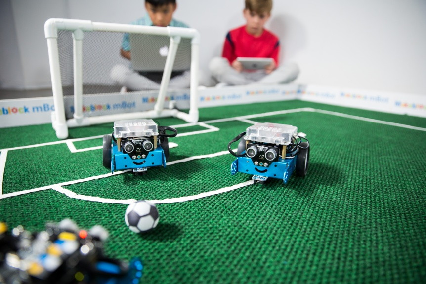 Fotbálek Arduino robotů mBot