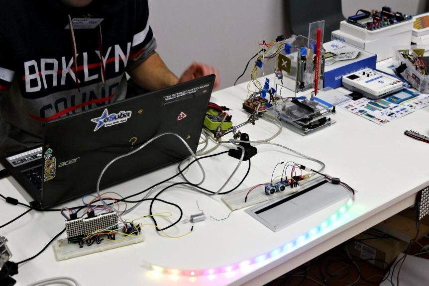 Bastlení a Arduino projekty na LinuxDays 2017