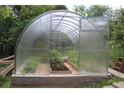 Zahradní skleník z polykarbonátu