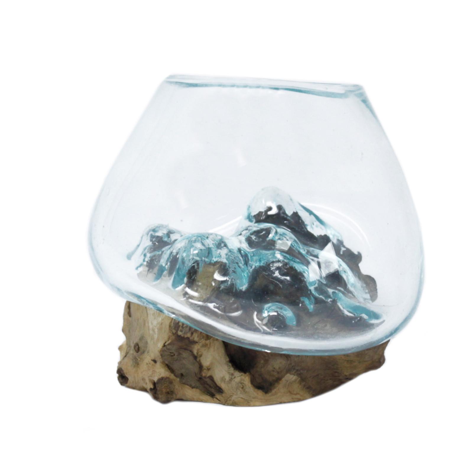 Tavené sklo na dřevě