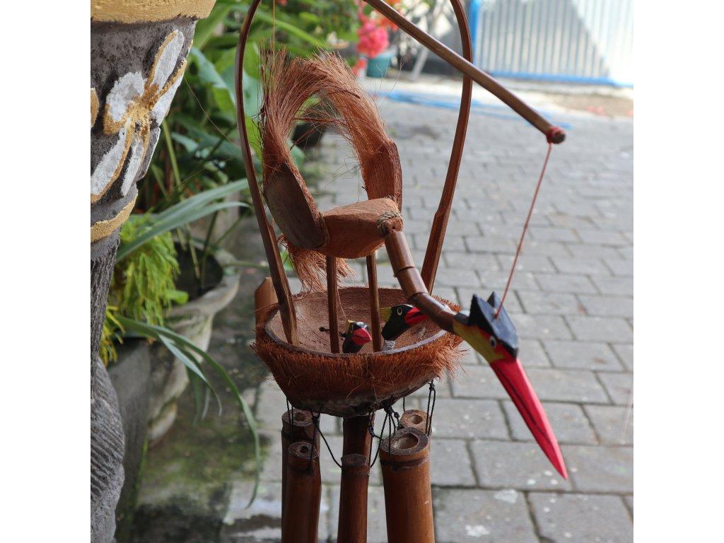 Bambusová Zvonkohra Ptačí Matka s Ptáčátky