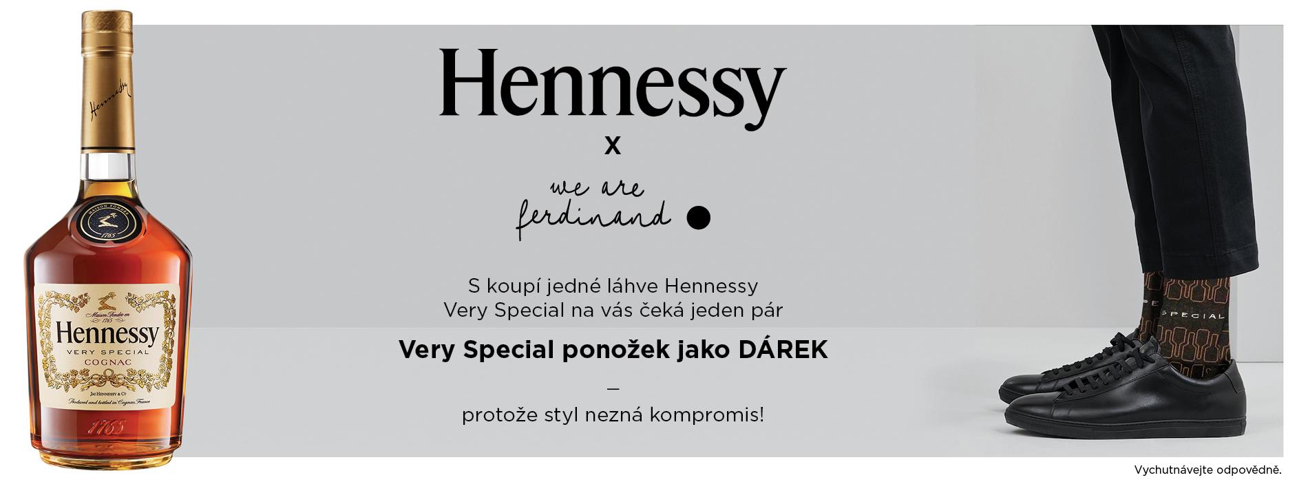 Hennessy VS 0,7l 40% Giftbox + Dárek Hennessy ponožky