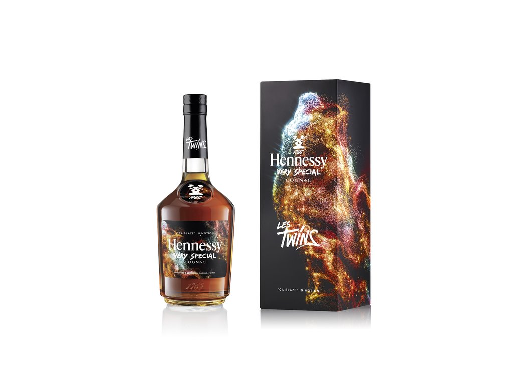 Hennessy VS LED21 LesTwins Blaze 75 NK GB W HD low.width 640x prop