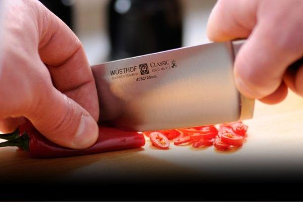 Jak pracovat s kuchařským nožem?