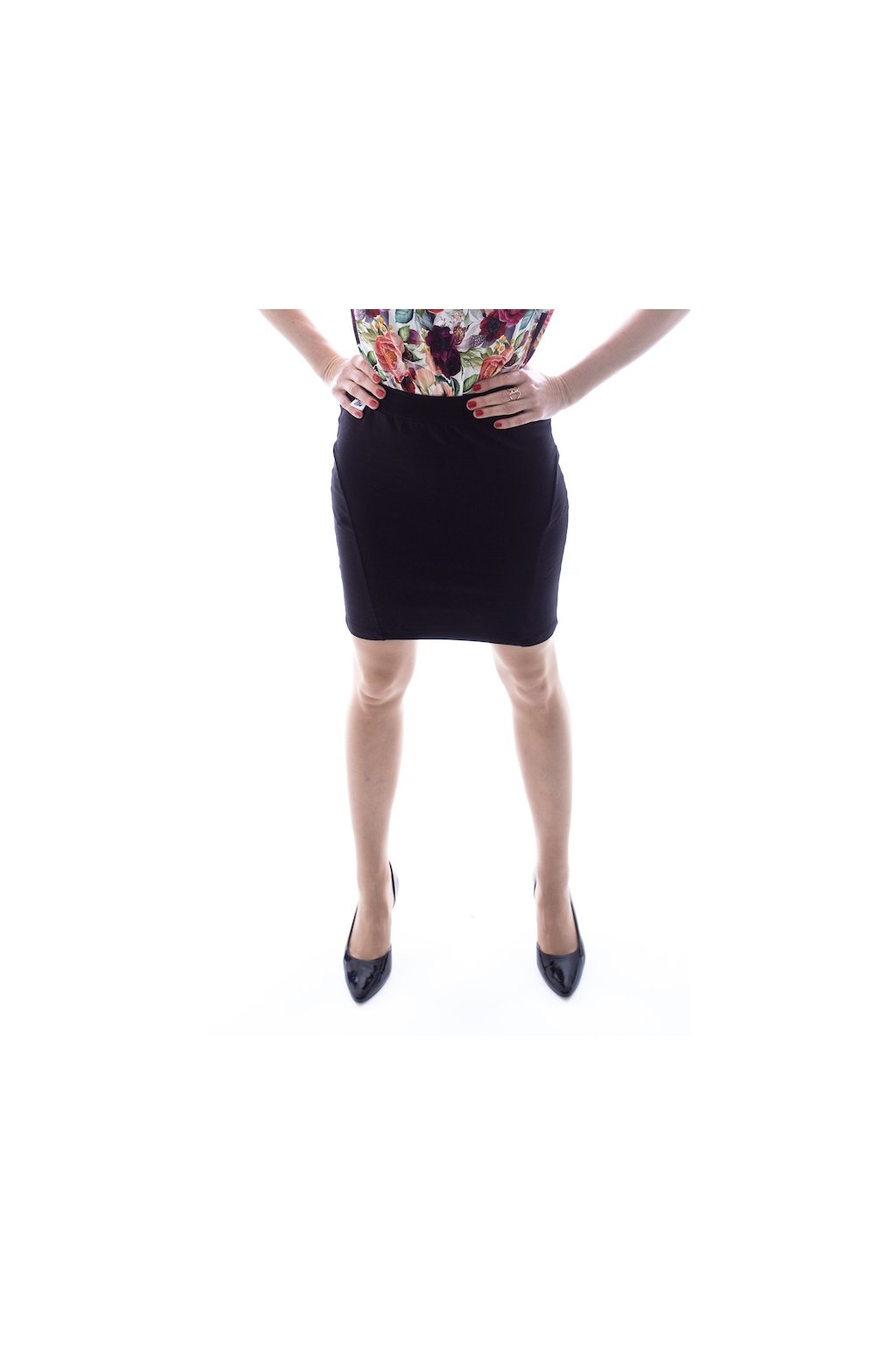 Pouzdrová sukně krátká černá