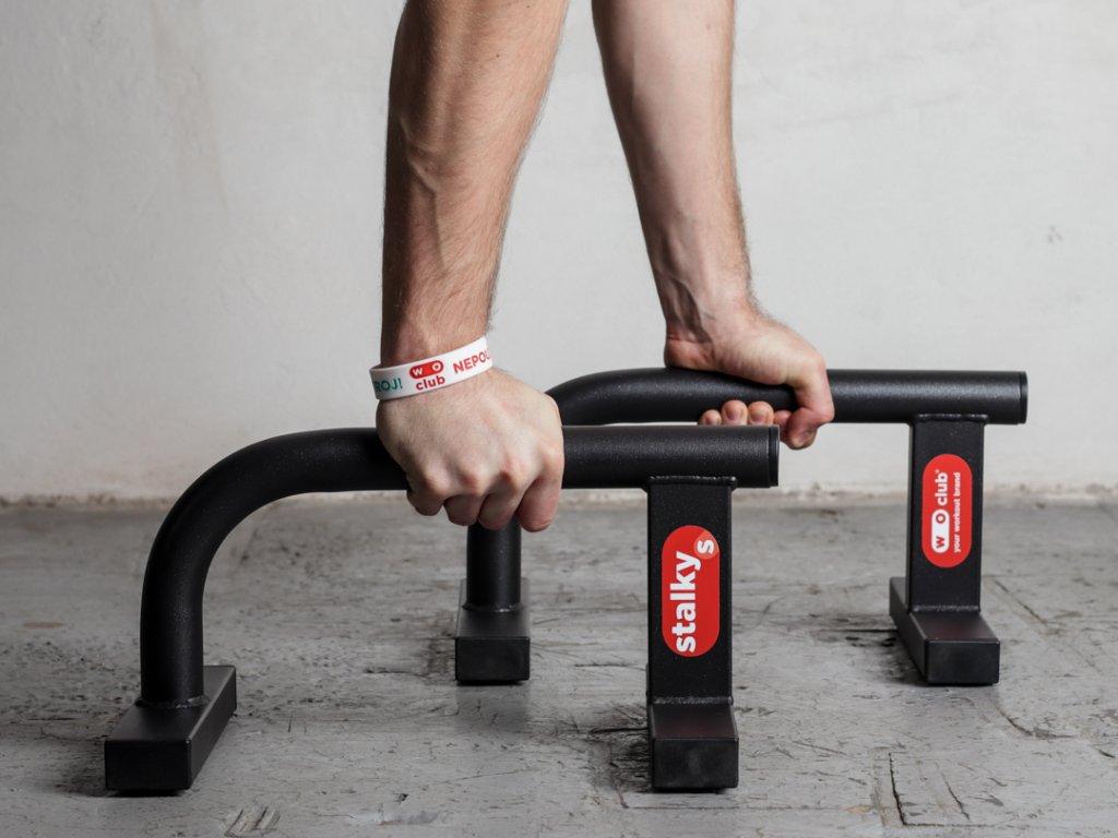 Malé kovové stálky WOCLUB STALKY S české výroby. Ideální pro kliky, stojky, planche. Známe jako paralety, parallettes, mini bradla, nízké bradla, gymnastické bradýlka.