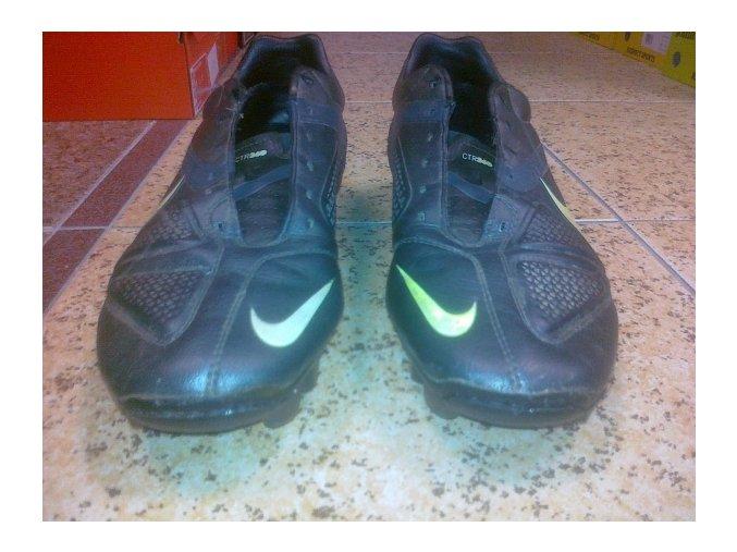 Oprava kopaček - prošití špice Nike CTR 360 Libretto
