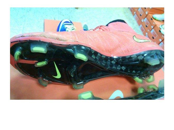 Oprava kopaček Nike MERCURIAL SUPERFLY FG  641858 / SG-PRO - prošití odlepené podrážky