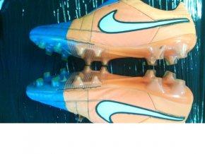 Oprava kopaček Nike TIEMPO LEGEND V FG / SG-PRO 631518 / 631614 - prošití odlepené podrážky