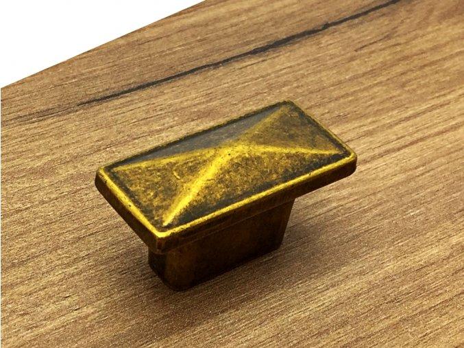 knopka safira mosaz patina
