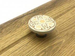 Porcelanova knopka Bosa bezova s motivem kytek