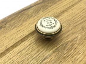 Porcelanova knopka Vintage staromosaz