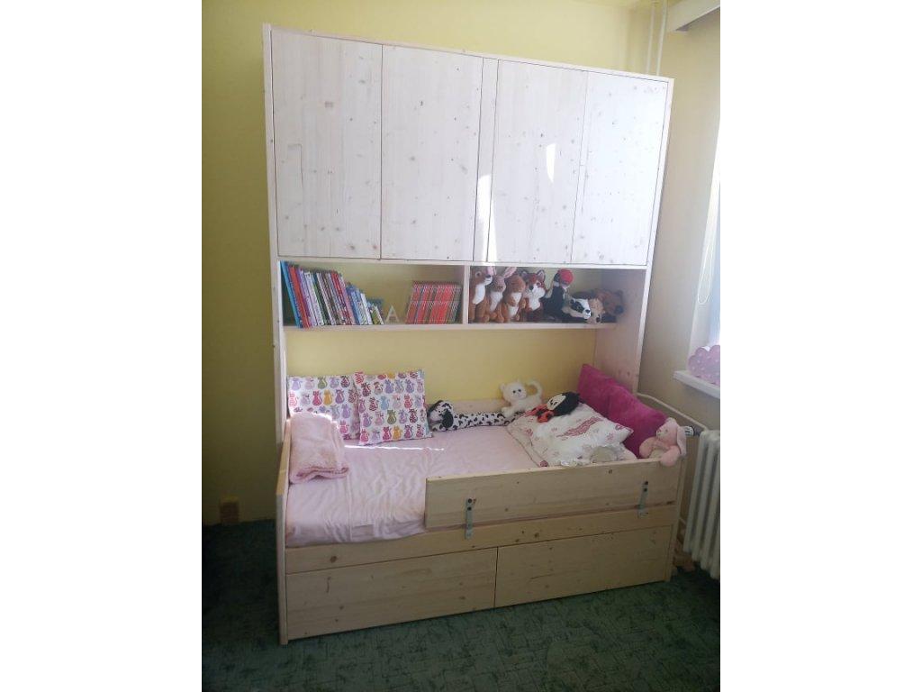 dětská postel Anežka s skříňkou nad postel