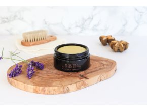 Nunaïa Superfood Cleansing Balm lifestyle image 1 ©Nunaïa 2019