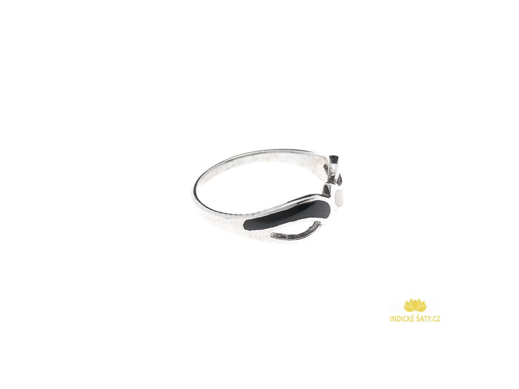 Stříbrný prsten s perletí černobílý