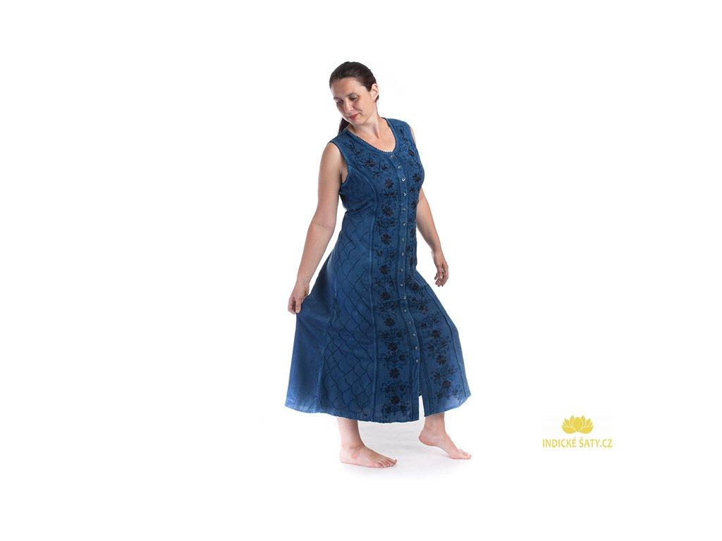 Dlouhé propínací šaty modré s květinovou výšivkou