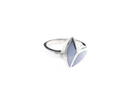Stříbrný prsten s šmolkově modrou perletí