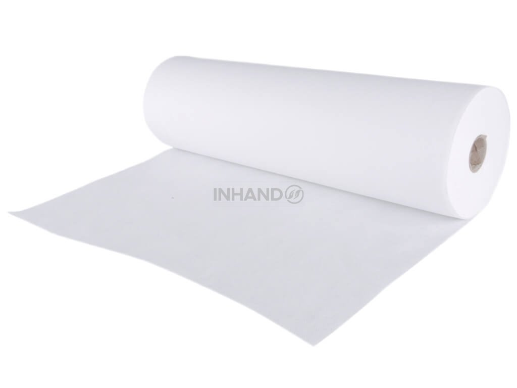 papírová role k ochraně lehátka bílá