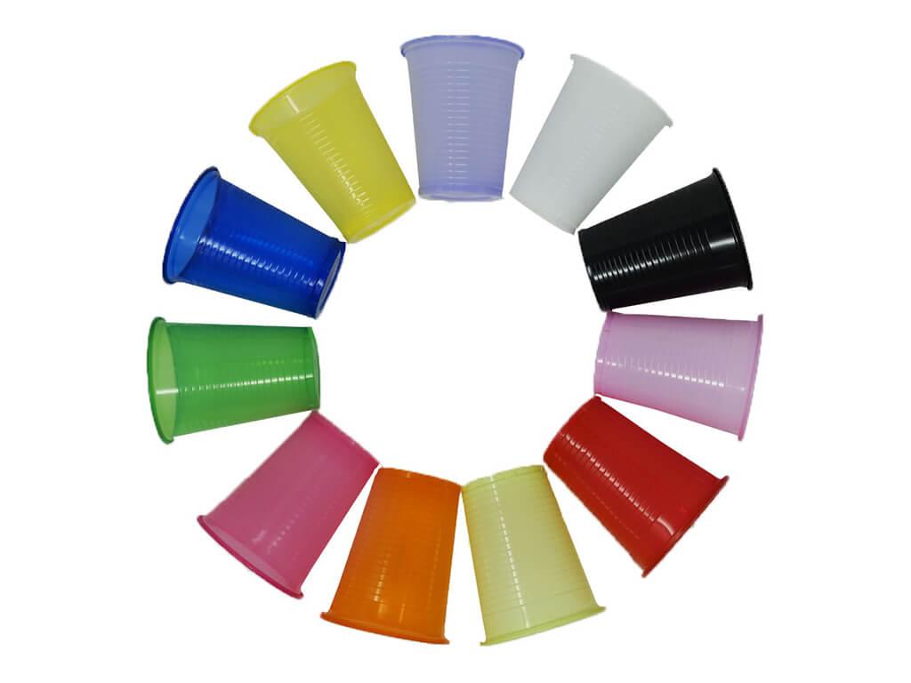 Plastové kelímky Barva: černá