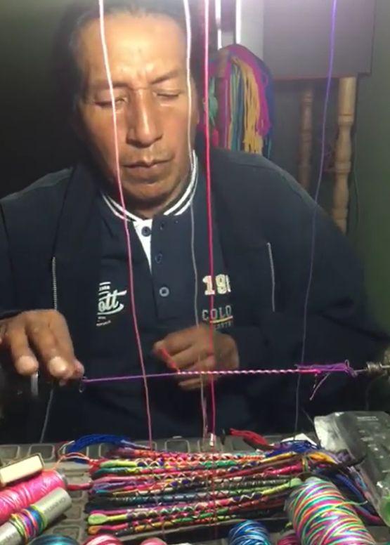 Náramky od indiánů z Ekvádoru