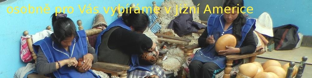 Výroba ozdobných dýní v rodinné dílně na peruánském venkově