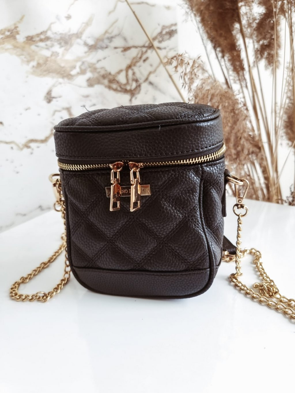 Čierna kabelka so zlatou retiazkou T276