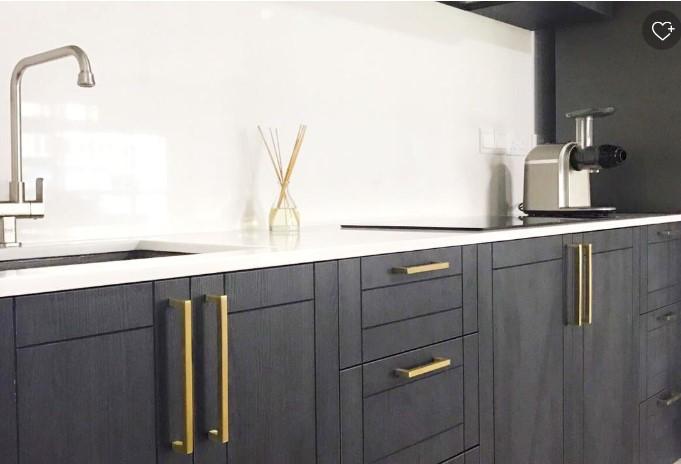 Broušené zlato, nový trend v nábytkových úchytkách