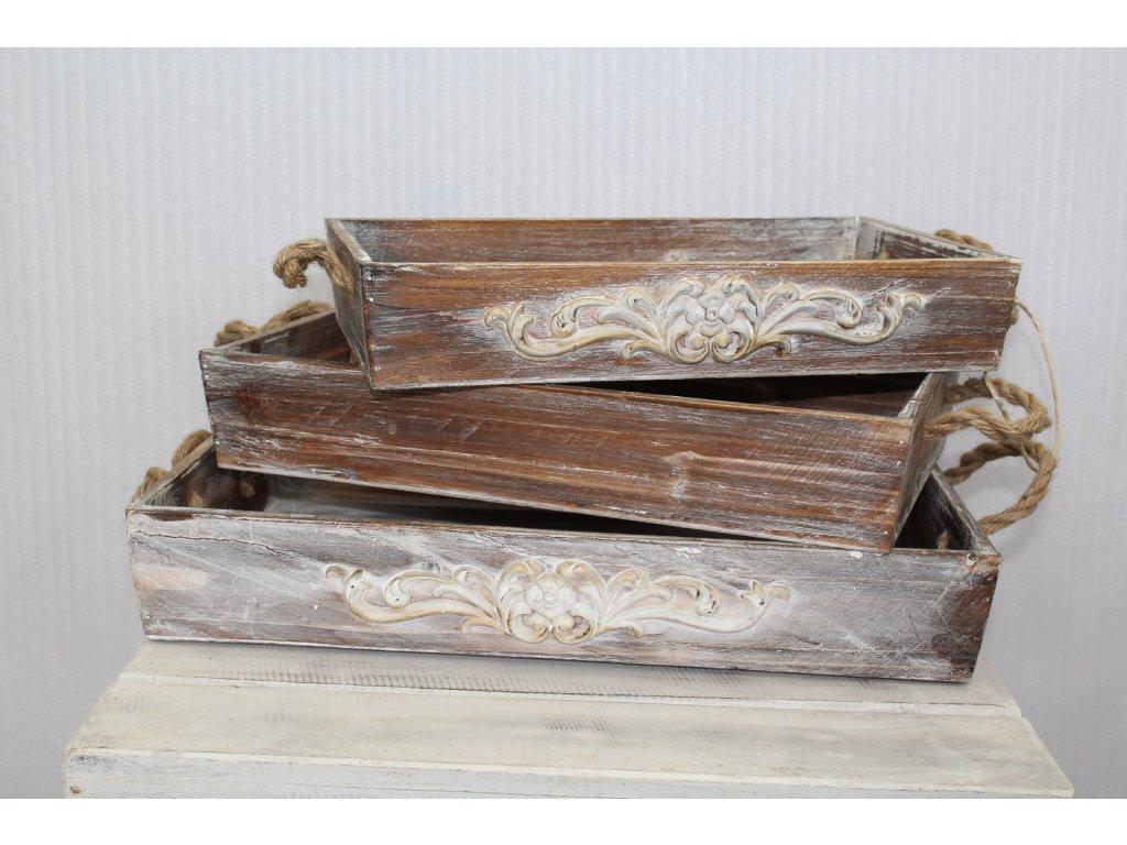 Sada dřevěných podnosů - hnědých