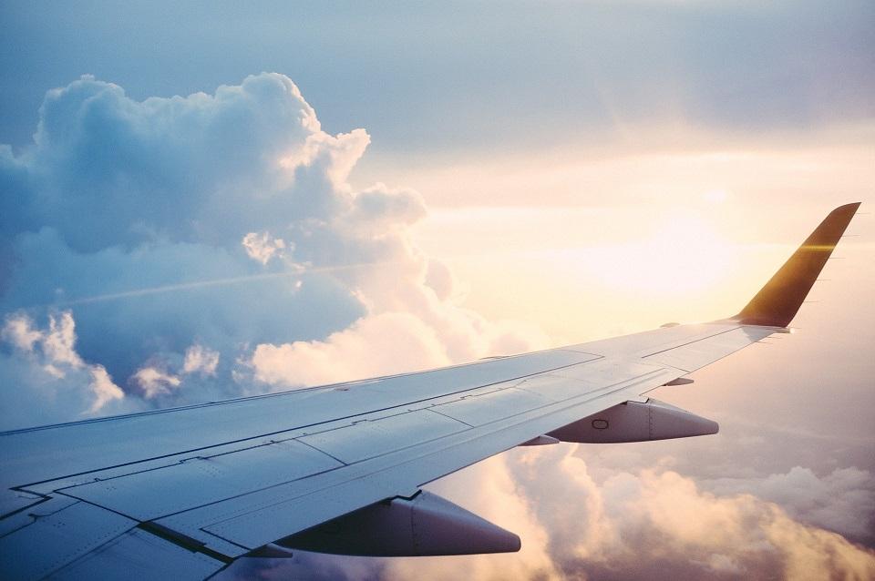 Erotická poviedka: Zaškoľovací sex v kabíne lietadla