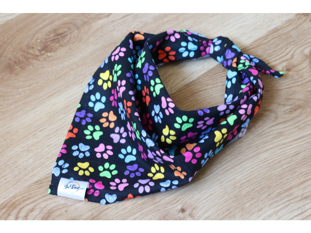Tlapky - Šátek pro psa