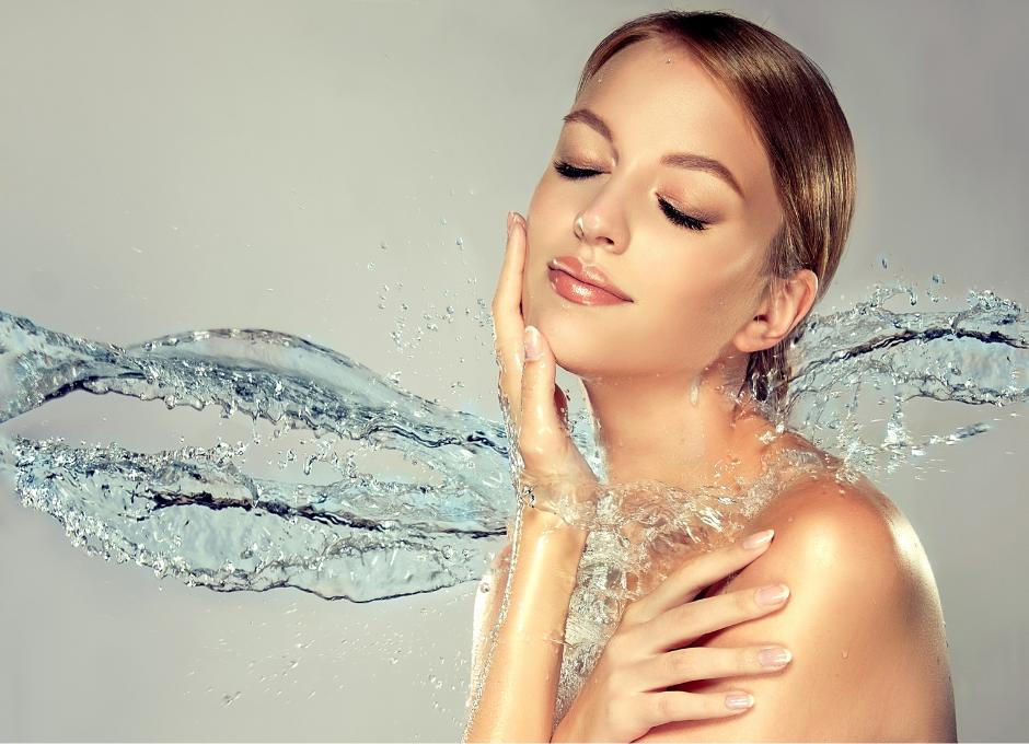 7 osvědčených tipů, jak hydratovat pleť nejen v létě