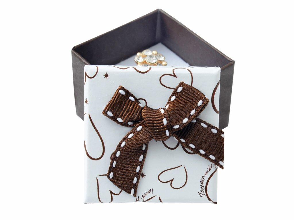 papirova-krabicka-se-vzorem-srdce-a-masli-na-prsten-nebo-nausnice
