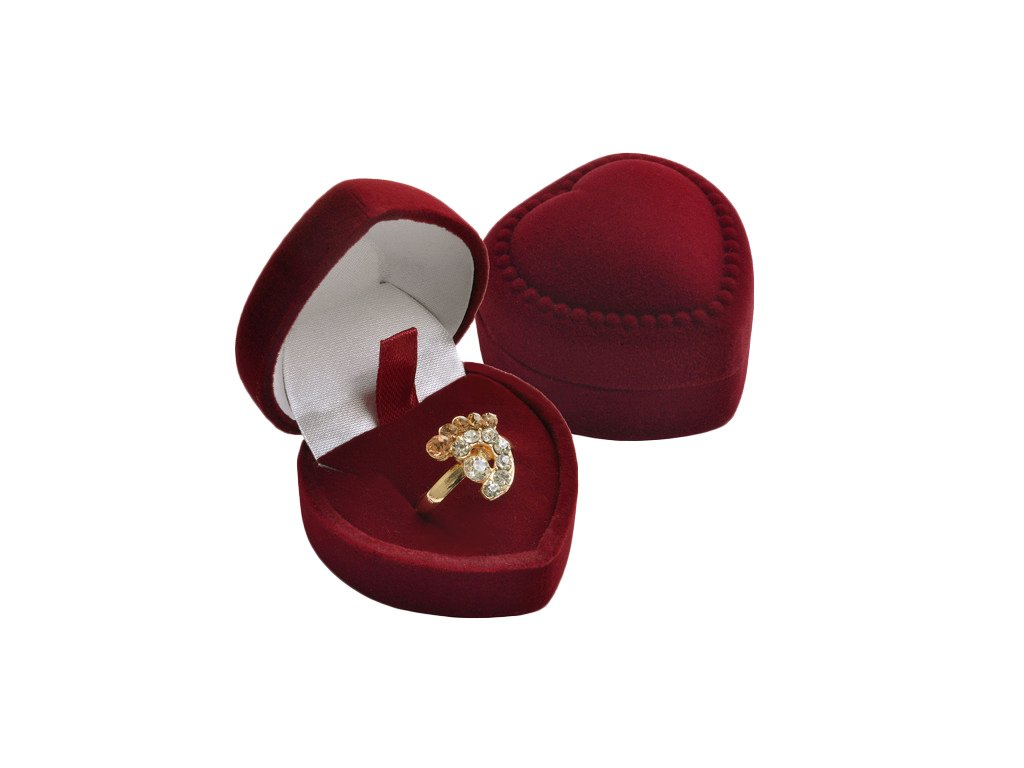 sametova-krabicka-srdce-z-lasky-na-prsten-nebo-nausnice-pecky