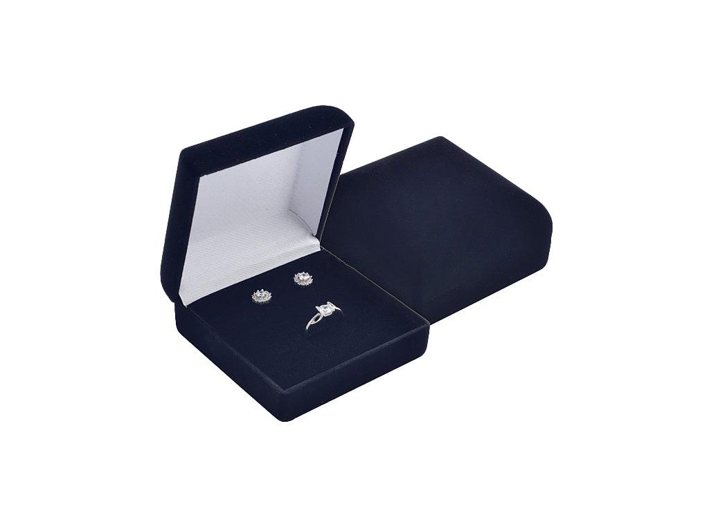 sametova-cerna-krabicka-elegance-na-malou-sadu-sperku