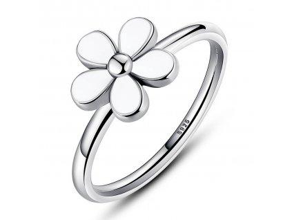 Stříbrný prsten s květinkou v retro stylu