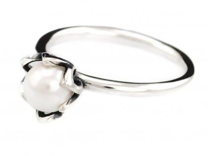stribrny-prsten-kvet-perly
