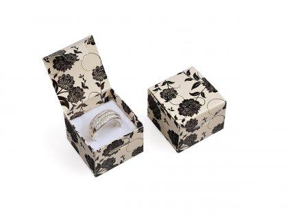 kremova-papirova-krabicka-na-prsten-nebo-nausnice-black-flower